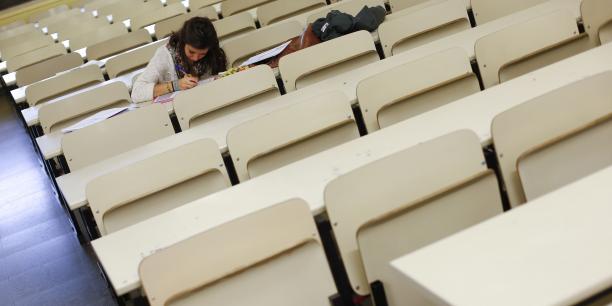 Depuis le 22 août, tous les étudiants boursiers récemment diplômés peuvent demander l'aide à la recherche du premier emploi.