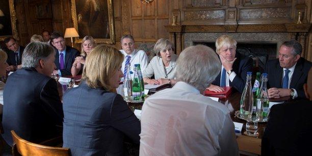 Theresa May a fermement écarté la tenue d'un second référendum  sur la sortie du Royaume-Uni.