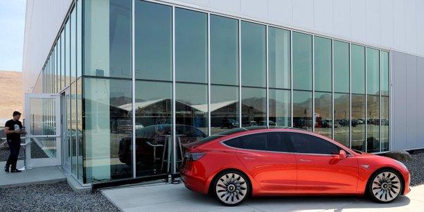 Lors du lancement du Model 3, le constructeur Tesla Motors demandait de débourser 1.000 dollars de réservation à chaque client souhaitant acquérir une Tesla. Autrement dit, le constructeur engrangea 253 millions de dollars sans avoir vendu la moindre voiture !