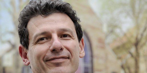 C'est un gâchis monstre que de retrouver un ingénieur diplômé de l'école derrière un écran à optimiser la gestion des produits d'assurances, explique Laurent Carraro.