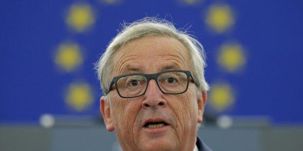 Jean-Claude Juncker a refusé que « la génération Y soit la première en 70 ans à être plus pauvre que leurs parents » et appelé à ce que « l'UE puisse aussi contribuer à aider à créer plus d'opportunités pour les jeunes ».