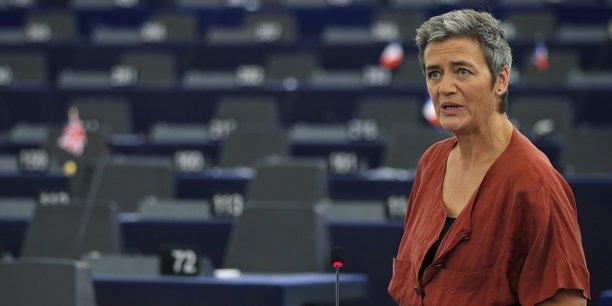 La commissaire européenne à la Concurrence, Margrethe Vestager, a laissé entendre jeudi à Paris qu'elle pourrait entreprendre des actions contre des commerces en ligne abusant de leur position dominante dans l'UE, sans toutefois nommer une entreprise particulière.