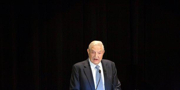 Lui-même réfugié juif hongrois à la fin de la Deuxième Guerre mondiale avant de gagner le Royaume-Uni puis les Etats-Unis, George Soros affirme qu'il fera appel à l'Agence de l'Onu pour les réfugiés (HCR) et le Comité international de secours (IRC) pour le guider dans ses investissements.