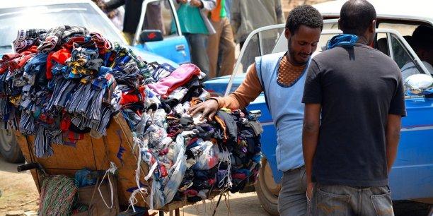 Au sud du Sahara, entre 20% et 70% des emplois ont été créés dans le commerce informel.