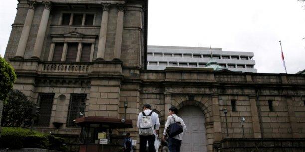La Banque du Japon tente de reprendre la maîtrise de sa politique.