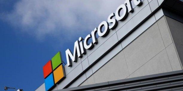 La plate-forme d'informatique à distance Azure, produit phare de Microsoft dans le cloud, en concurrence frontale avec Amazon Web Services, a vu des ventes bondir de 93% sur le premier trimestre.
