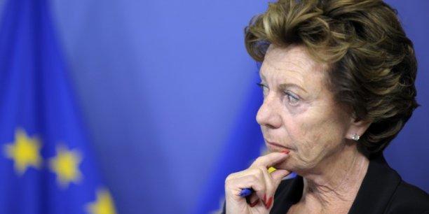 Neelie Kroes a été directrice, entre 2000 et 2009, d'une société enregistrée aux Bahamas, dont l'existence n'a jamais été révélée à Bruxelles.