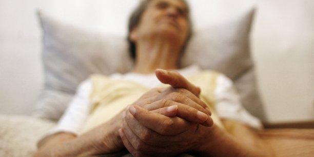 99,6% des médicaments contre Alzheimer échouent dans les phase I, II,et III des essais cliniques.