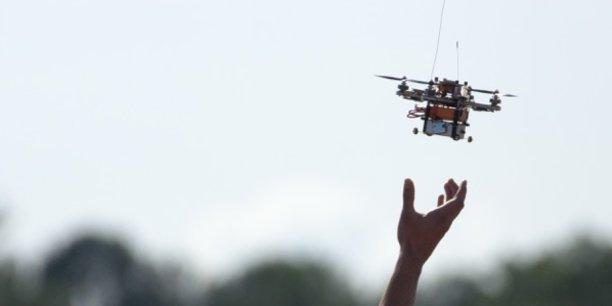 Des drones autonomes de surveillance, des drones inspecteurs d'ouvrages, des drones assistants, des drones de maintenance, l'UAV Show se veut être une vitrine des applications industrielles du drone civil.