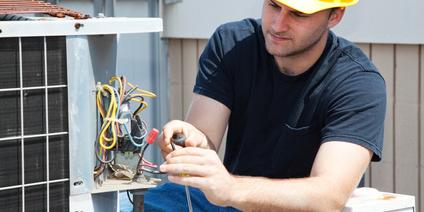 Un dépannage ; qu'il concerne l'électricité, la plomberie ou la serrurerie ; peut vous coûter plus cher que prévu.
