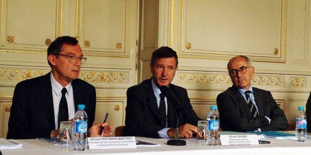 Vincent Hoffmann-Martinot, président de la Comue d'Aquitaine, Olivier Ducrip, recteur de l'académie de Bordeaux, et Manuel Tunon de Lara, président de l'Université de Bordeaux