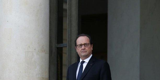 François Hollande a mis les petits plats dans les grands pour le sommet 2016, qu'il voudrait aussi important pour la démocratie que la COP 21 l'an dernier pour l'environnement. Mais les principales associations de la société civile dénoncent une opération de communication et dressent un bilan au vitriol de la France dans ce domaine.