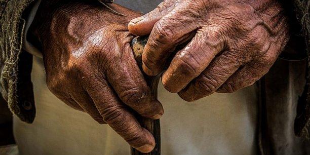 La part des personnes âgées de plus de 80 ans en France est passée de 4,5% à 6% en dix ans.