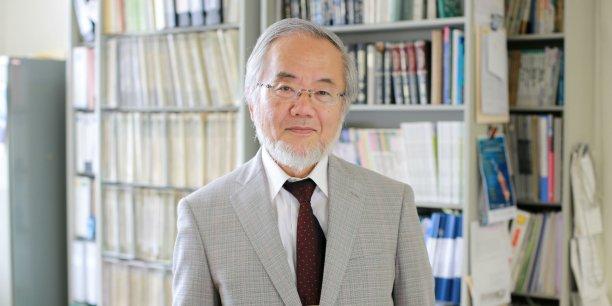 Né en 1945, Yoshinori Ohsumi est le 6e japonais à se voir remettre le prix Nobel de médecine.