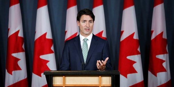 Les conservateurs ont voté contre, pour contester la décision unilatérale de Justin Trudeau d'imposer une taxe carbone, sans l'accord préalable de toutes les provinces qui ont compétence au même titre que le gouvernement fédéral en matière d'environnement.
