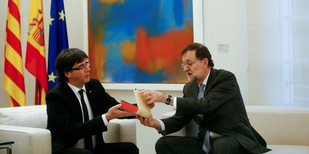 Comme annoncé voici une semaine par le président de la Generalitat, le gouvernement catalan, Carles Puigdemont (ici en compagnie de Mariano Rajoy), la « feuille de route » vers l'indépendance catalane a été « mise à jour » et le processus est désormais clairement établi