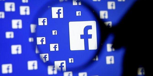 Selon Wired, 44% des Américains adultes s'informeraient par Facebook.