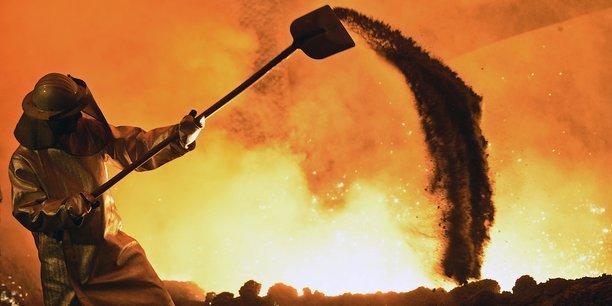 L'Union européenne, deuxième plus gros producteur d'acier au monde après la Chine, est lourdement impactée par les importations sans limites de produits chinois vendus à vil prix.