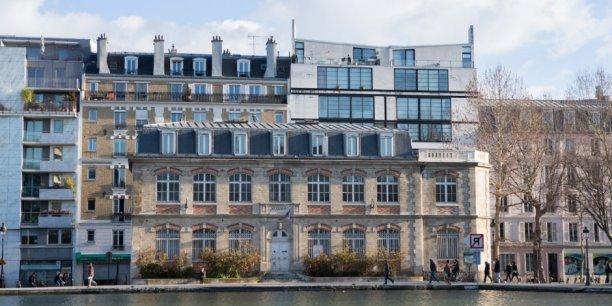 Ce lieux est un manifeste qui porte une ambition et une conviction: ceux qui croient pouvoir opposer la croissance à la solidarité et à l'environnement se trompent, a résumé François Dagnaud, maire PS du XIX arrondissement, lors de l'inauguration.
