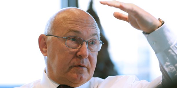 Selon Bercy, une partie des contribuables qui devraient payer l'ISF parviennent à s'y soustraire, en reversant leurs revenus imposables à des holdings pour qu'ils ne soient pas pris en compte dans le calcul du plafonnement.