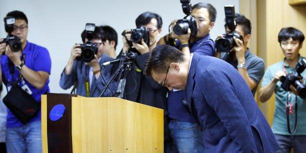 Dès que Samsung a acté l'échec de son produit, mardi matin, la valeur de l'action a plongé de 8% à la Bourse de Séoul. Soit presque 14.700 milliards de wons (près de 12 milliards d'euros) partis en fumée.