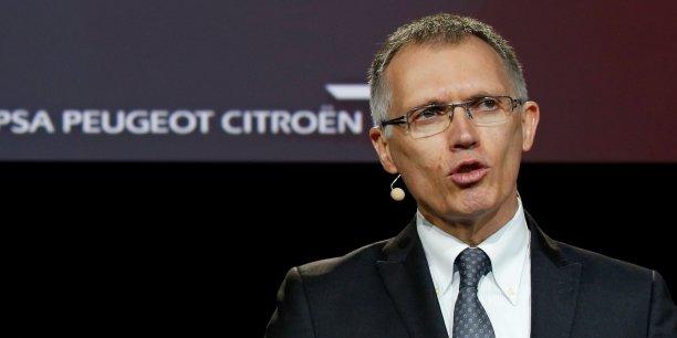 Carlos Taveres, président du directoire de PSA ets peu amène au sujet de la transition écologique en cours dans le secteur de l'automobile.