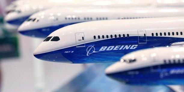 La compagnie iranienne Iran Air a acheté 50 Boeing 737 et 30 long-courriers B777 qui seront livrés sur une période de dix ans, a annoncé le PDG de la compagnie Farhad Parvaresh.