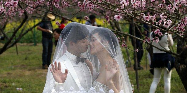 En Chine, les demoiselles professionnelles sont payées entre 25 et 100 euros pour un mariage.