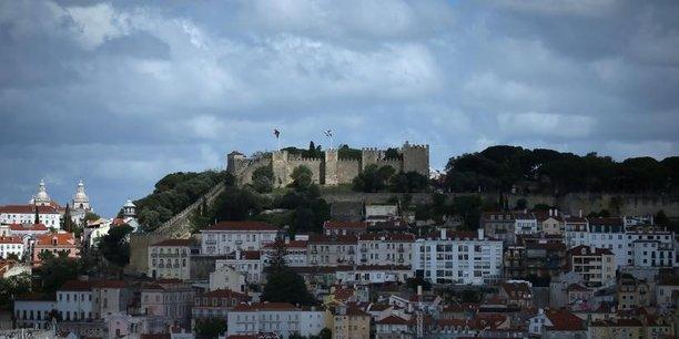 La nouvelle taxe foncière au soleil du Portugal pourrait ternir l'attractivité du pays pour les expatriés.