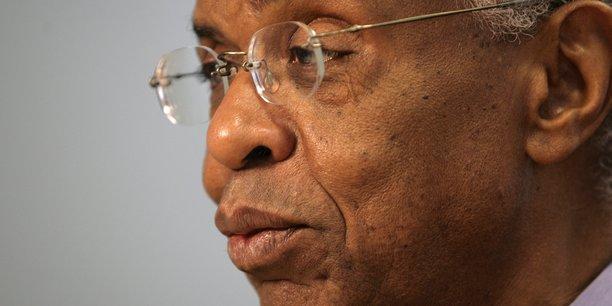 Ahmedou Ould Abdallah, président du Centre pour la stratégie et la sécurité dans le Sahel Sahara, ancien haut fonctionnaire de l'ONU et expert des négociations internationales.