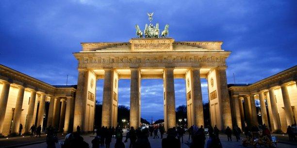 Pour la première fois depuis 2012, le marché immobilier allemand dépasse celui du Royaume-Uni, à 13,6 milliards d'euros contre 10 milliards au troisième trimestre 2016.