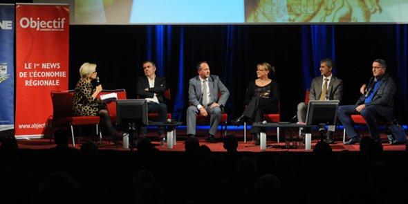 La table ronde sur les marchés internationaux du vin : Emmanuelle Durand-Rodgriguez, Jacques Tranier, Fabrice Rieu, Élodie Le Dréan, François Collache et Bertrand Girard.