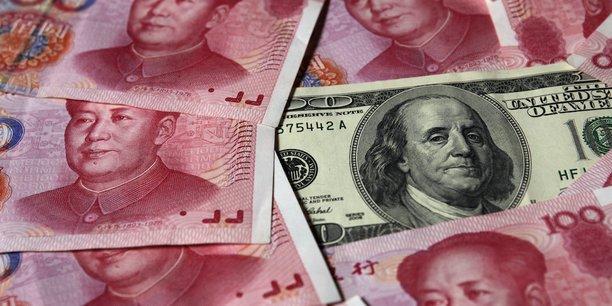 Si la monnaie pâtit des colossales fuites de capitaux hors de Chine et de la conjoncture morose du géant asiatique, le récent plongeon du yuan s'explique avant tout par le vigoureux rebond du dollar au lendemain de la victoire de Donald Trump à l'élection présidentielle américaine.
