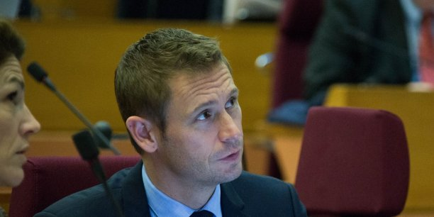 Stéphane Beaudet est maire (LR) de Courcouronnes, président de l'Association des maires d'Ile-de-France et vice-président de la région Ile-de-France chargé des Transports.