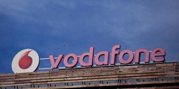 En Inde, Vodafone est confronté à la concurrence de Reliance Jio, un nouvel opérateur qui compte s'imposer en cassant les prix du mobile.