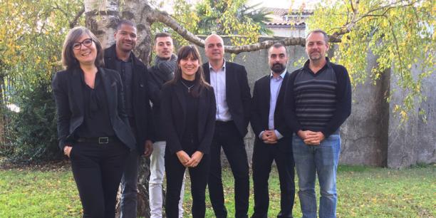 De gauche à droite, Christine David (WeatherForce), Paul Mistral et Pierre Le Gern (Symbioz), Mariana Lescourret (MountNPass), Renaud Nalin (CyAnimal), Guillaume Angles (CréditFixeur) et Frédéric Blavoux (MountNPass) font partie de la nouvelle promotion de l'incubateur Midi-Pyrénées.