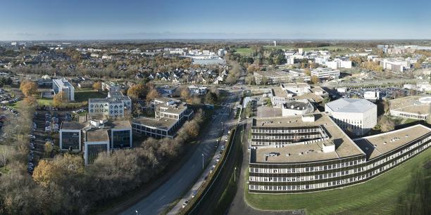 Rennes attire les compétences, les établissements et les emplois, mais Brest et son pôle d'emploi pour l'enseignement supérieur et la recherche séduisent de plus en plus d'actifs. (En photo: Rennes Atalante Beaulieu est un site d'implantation pour les entreprises du secteur des technologies de l'information et de la communication, installé au cœur de l'Université de Rennes-I, un campus scientifique de 15.000 étudiants.
