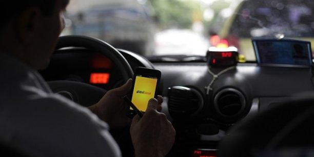 Les associations de prévention pour la sécurité routière et les sociétés d'assurance scrutent le poids de l'usage des applications dans les accidents de circulation.