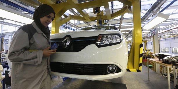 Le deuxième producteur automobile d'Afrique est le Maroc, avec 250.000 voitures. Le royaume chérifien devrait néanmoins plus que doubler sa production dans les années qui viennent avec la montée en puissance du site Renault de Tanger (400.000 voitures par an), et le démarrage de l'usine PSA de Kenitra (120.000 unités), prévu pour 2019.