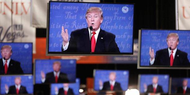 Pas de double fonction cachée pour le nouveau président, assurent son colistier Mike Pence et son probable futur secrétaire général de la maison blanche.
