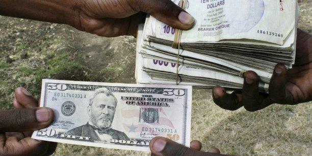 Au Zimbabwe, la valeur de la nouvelle monnaie locale a été fixée à un taux de change de 2,5 RTGS par dollar américain. (Illustration)