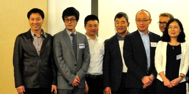 Xianding Ma (2e en partant de la gauche), à l'occasion d'un sommet franco-chinois dédié à l'innovation en santé et organisé par l'Association des scientifiques et des ingénieurs chinois en France, vendredi 18 novembre 2016.