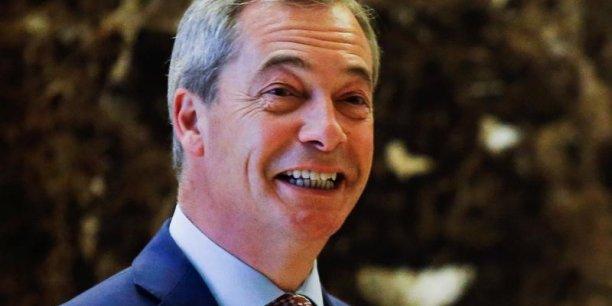 Avec son Parti du Brexit, l'europhobe Nigel Farage compte bien faire une percée aux élections européennes, un scrutin auquel le Royaume-Uni, lancé sur la rampe d'une sortie de l'UE depuis trois ans, n'aurait jamais dû prendre part.