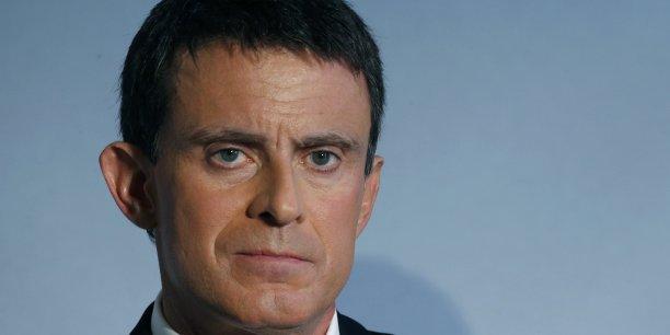 Selon Manuel Valls, le revenu minimum décent oscille entre 800 et 850 euros.