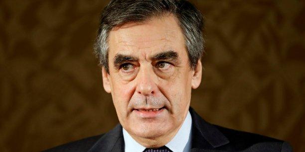 François Fillon fait une razzia dans les intentions de vote des Républicains (75%) et des électeurs du Front national participant au scrutin (74% des intentions de vote), selon ce nouveau sondage.