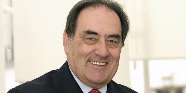 Jean-Pierre Crouzet, président de la nouvelle organisation patronale, l'U2P, née du rapprochement entre les artisans et les professions libérales, soit 2,3 millions d'entreprises adhérentes, compte peser de son nouveaux poids dans le monde patronal.