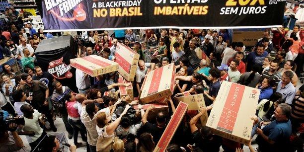 Au Royaume-Uni, les commerçants s'attendent à engranger 1 milliard de livre de recette au cours de la seule journée du 27 novembre.
