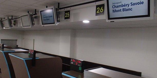 L'aéroport savoyard a bénéficié d'une rénovation de son aérogare, dont les comptoirs d'enregistrement.