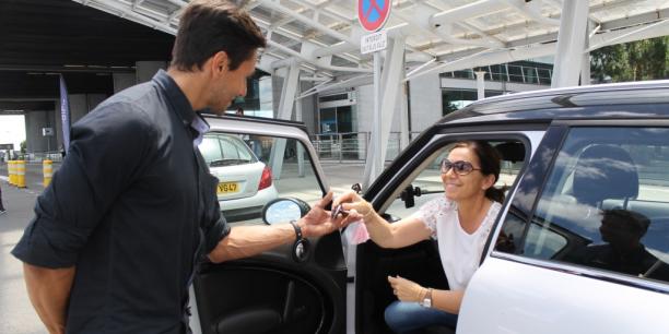 Démarrée à l'Aéroport de Bordeaux, l'aventure du voiturier pour voyageur Blue Valet connait un déploiement en France et en Europe qui va générer pas moins de 130 recrutements en 2017.