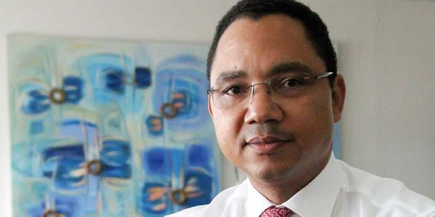 Michel Losembe, ancien DG de la BIAC et ancien président de l'Association congolaise des banques : c'est la coupure sans préavis d'une ligne de refinancement de la BCC, sous pression du Gouvernement, qui a provoqué la crise de liquidité et de confiance que la BIAC connaît encore maintenant.